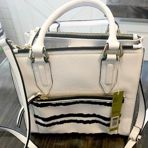 NWT Gianni Bini White/Black Handbag